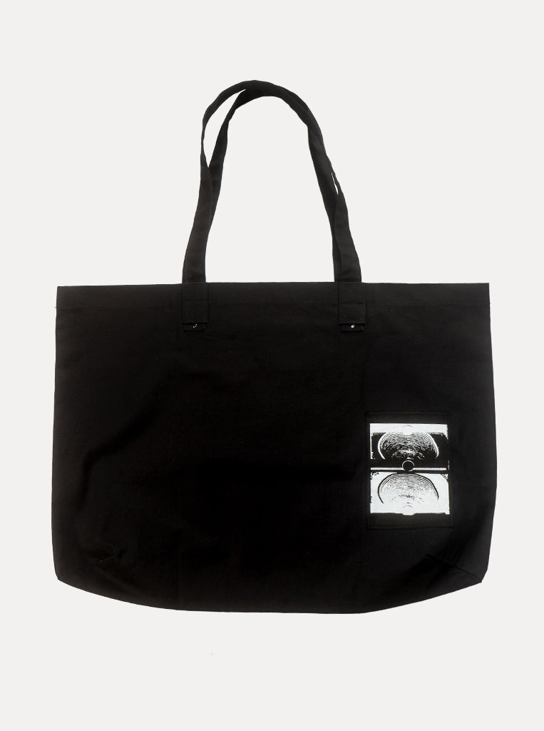 OVERSIZED PATCH TOTE