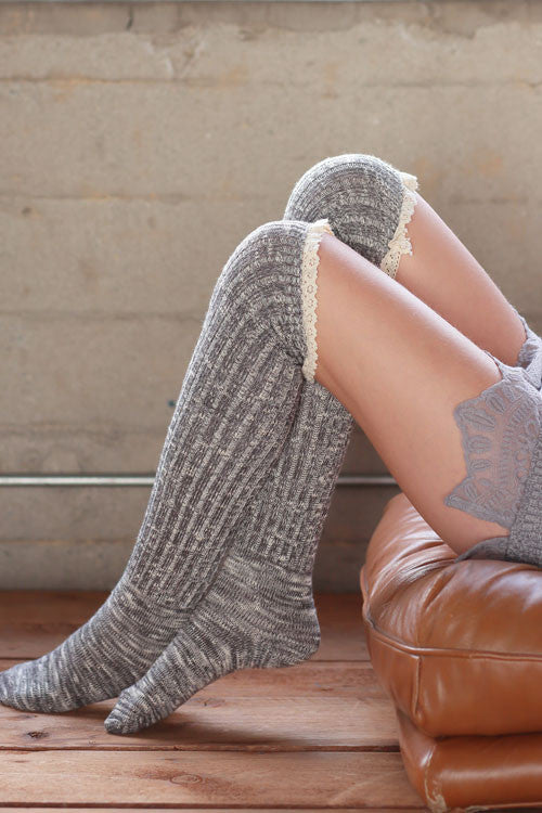 MIX COLOR RIBBED OVER THE KNEE HIGH SOCKS WITH LACE TOP