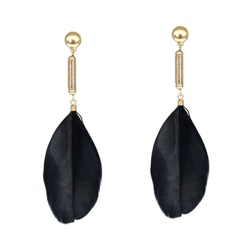 Everly Post Earring with Feather - Matte Gold Jet Black