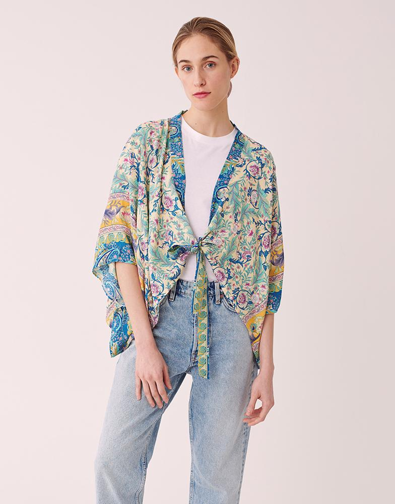 Wren Floral Cropped Kimono on Model in Ivory