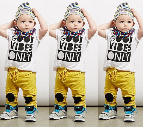 Good Vibes - T-Shirt and Pants Tracksuit