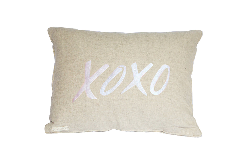 Linen cushions with embroidery XOXO