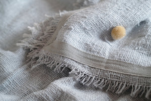 Open image in slideshow, Pompom Throw Small Full Grey Natural