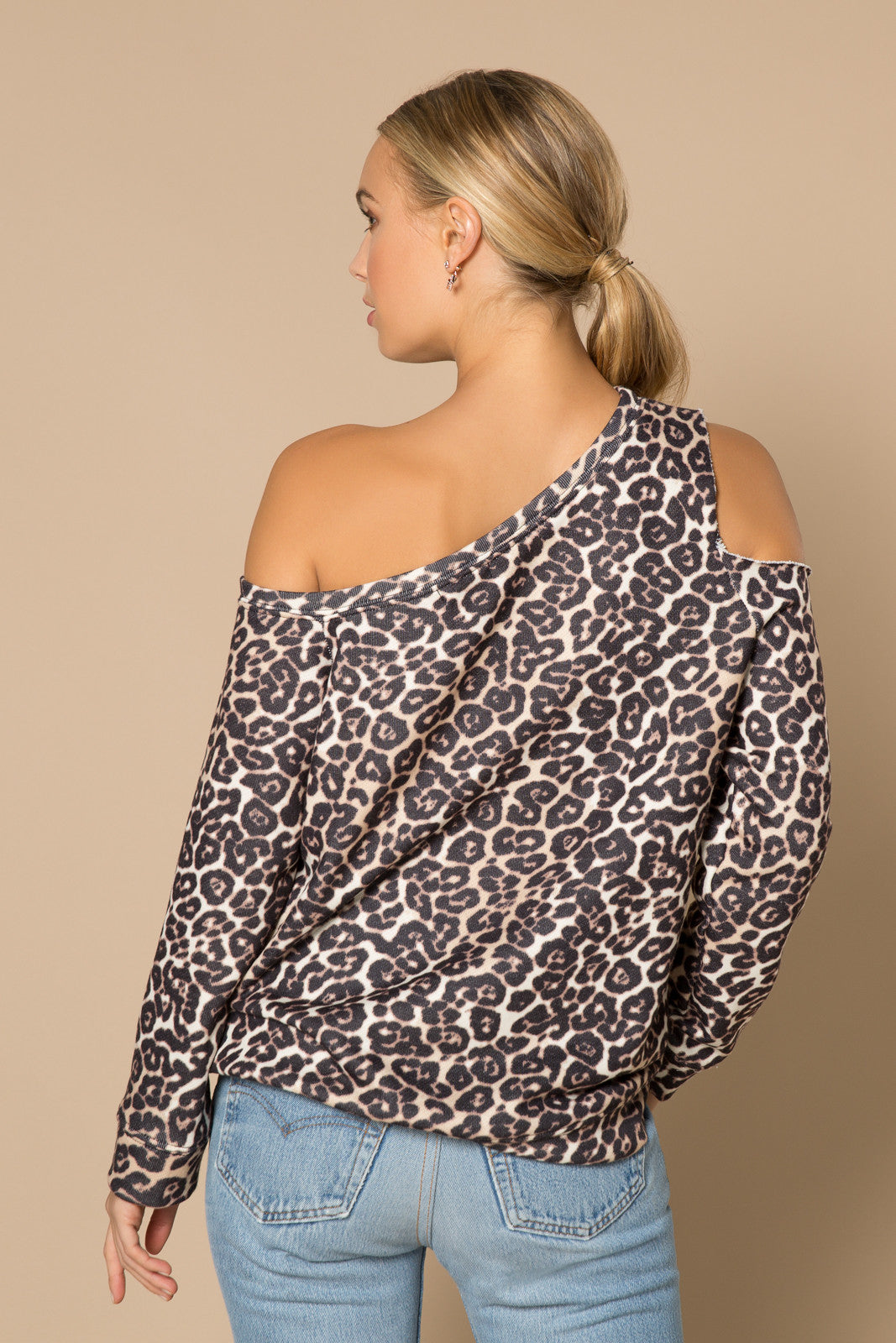 Leo Off The Shoulder Sweatshirt