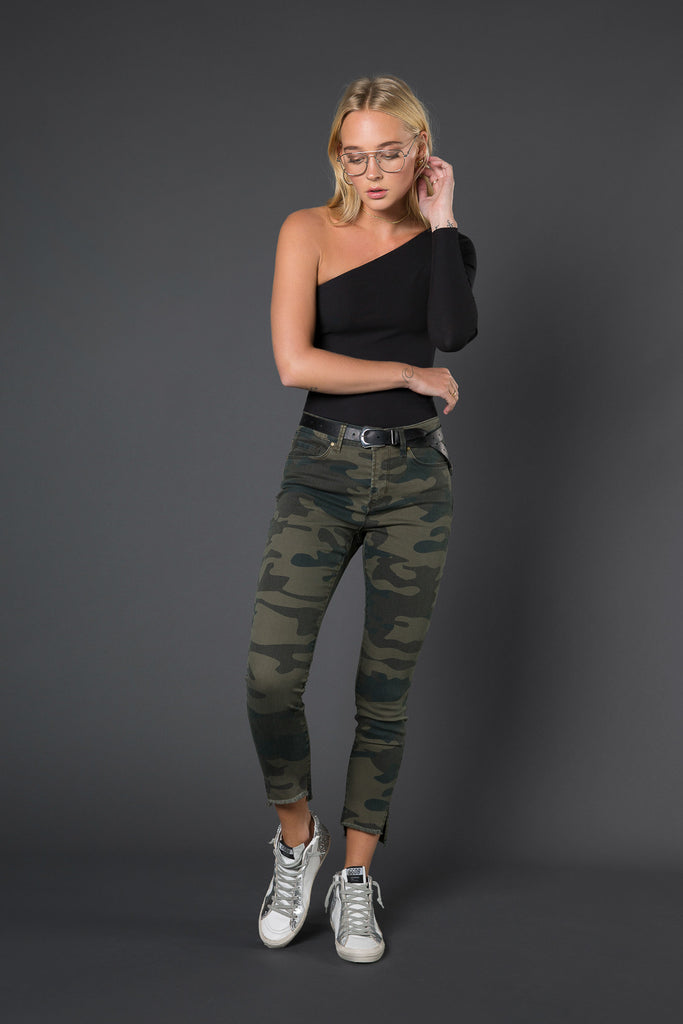 Jayden Staggered Hem Crop Jean