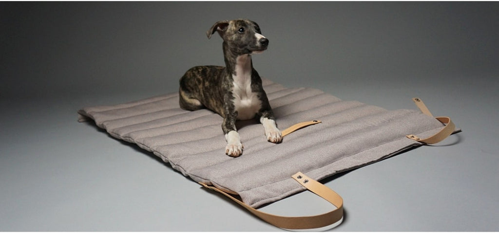 Labbvenn Travel Dog Bed in Nut