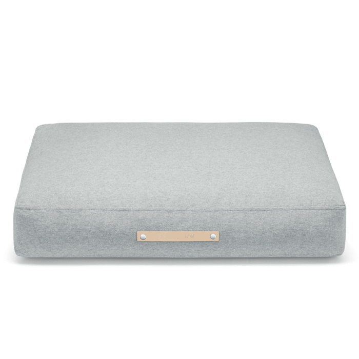 Oslo Luxury Dog Bed by Labbvenn in Cloud