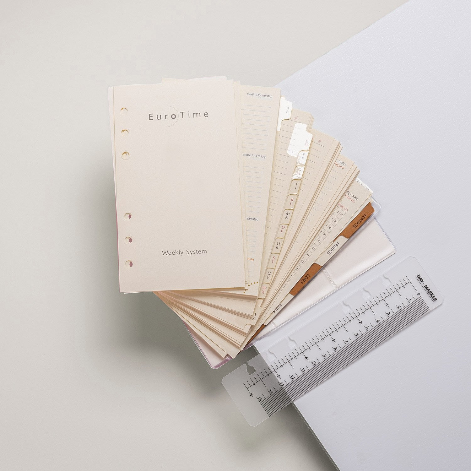 Calendar and accessories are part of the ANTORINI ring diaries