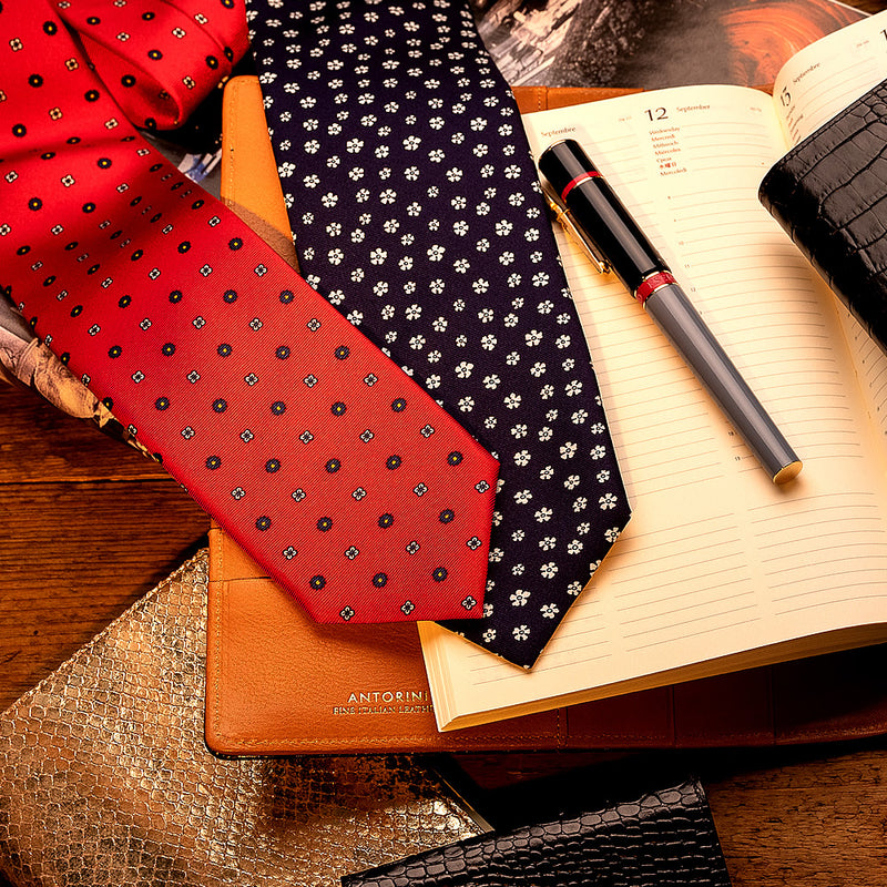 Silk Floral Tie in Red-ANTORINI®