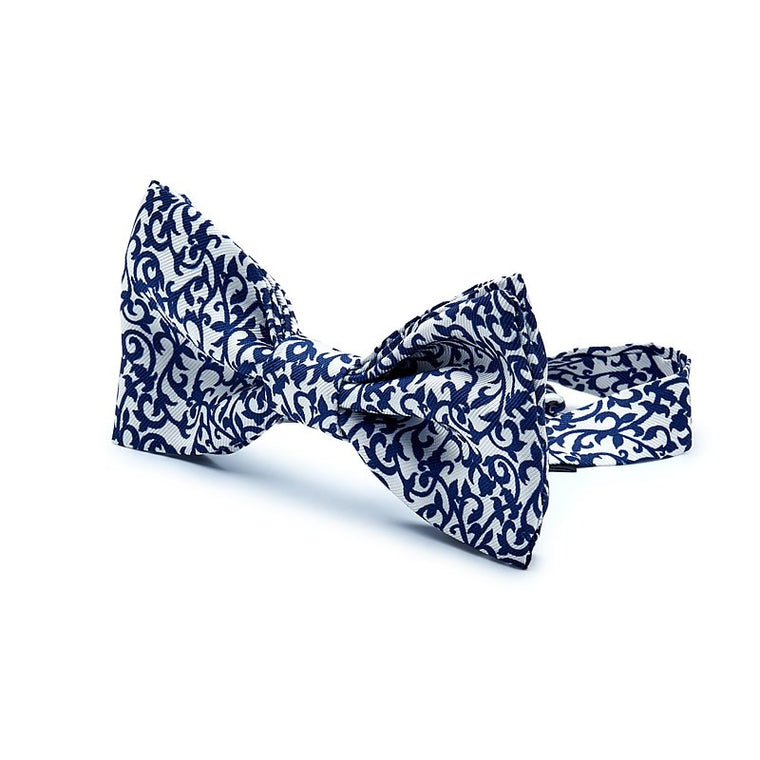 Textured Silk Bow Tie in White