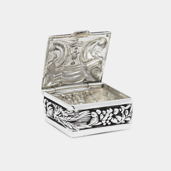 Silver Plated Box with Ornaments-ANTORINI®