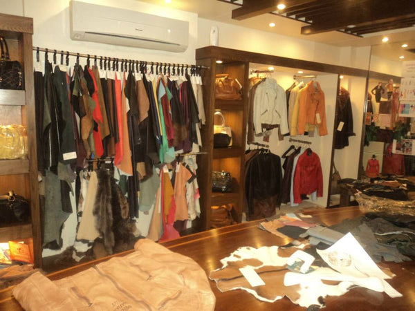 Store Placed With Black Leather, Brown Leather, White Leather And Many More Colors