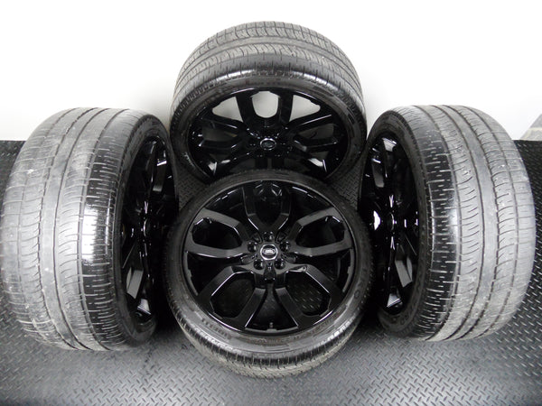 "Genuine OE Four 22"" Range Rover Vogue Style 504 Alloy Wheels With Pirelli Tyres"