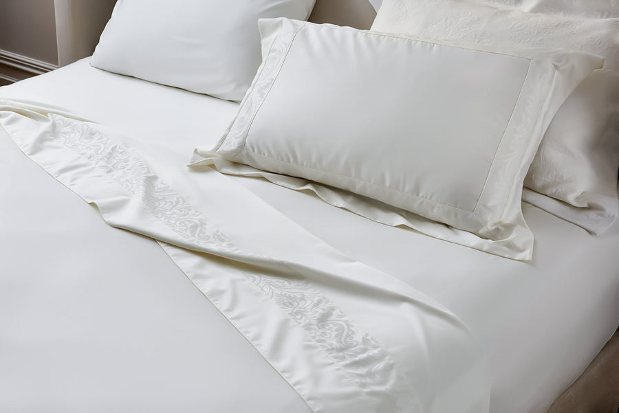 Off-white Egyptian Cotton fitted sheet