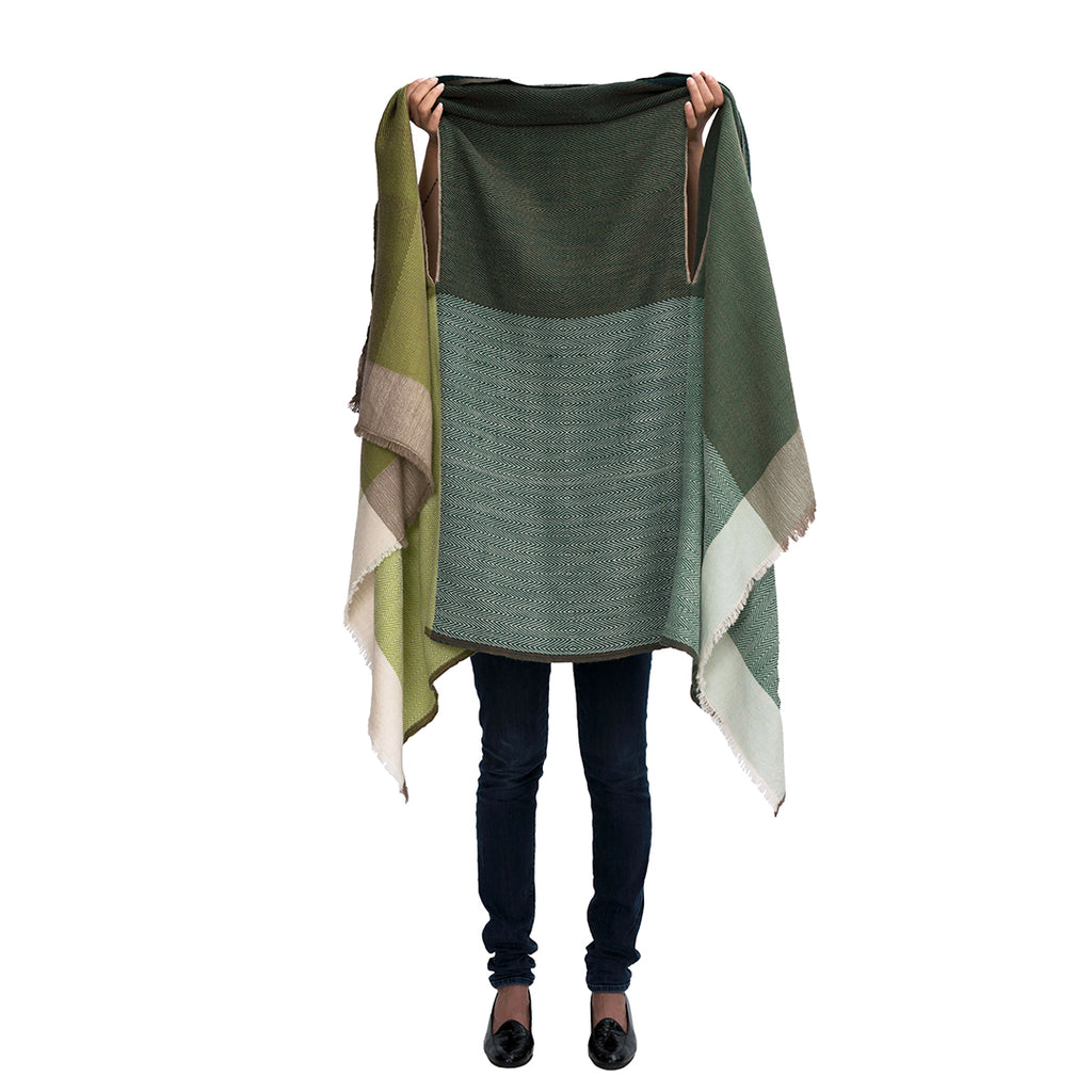 cape, one size, many ways to wear, multifunctional , handmade, sustainable, natural material, boho, boho chic, free style, winter, summer, all seasons, wool, merino wool, Amsterdam