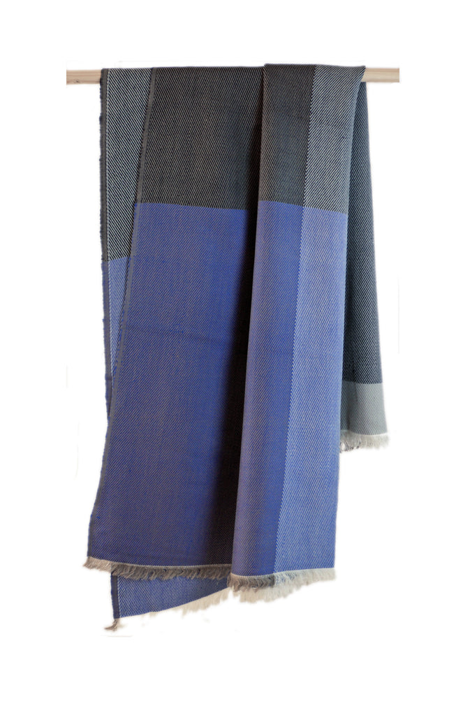 Karigar THROW Blue