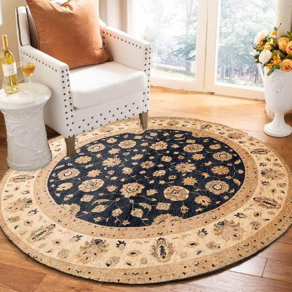 Round rugs in the Dining room