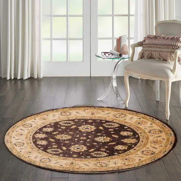 Round rugs in Entrance
