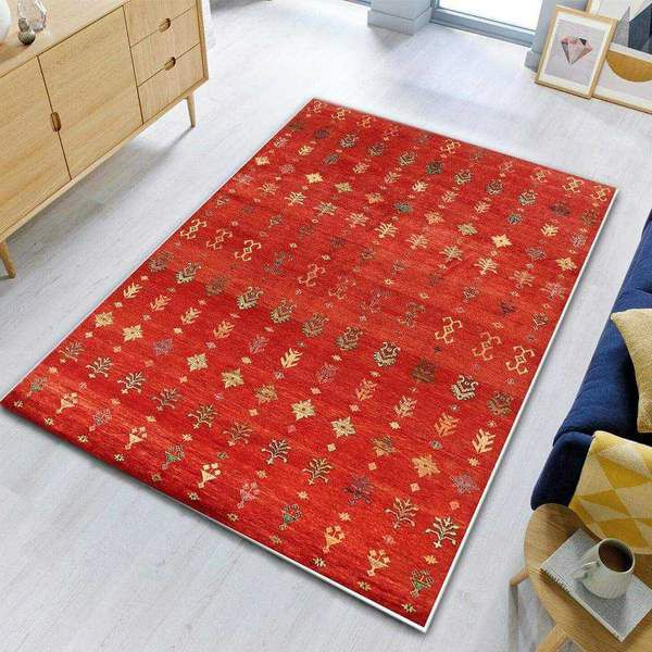 Shows Off The Rug Design