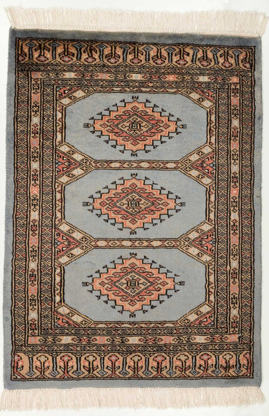 How To Clean A Wool Area Rug : Cleaning A Persian Rug