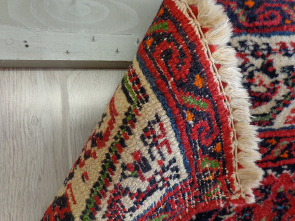 How To Hang An Oriental Rug Without Damaging It Rugknots