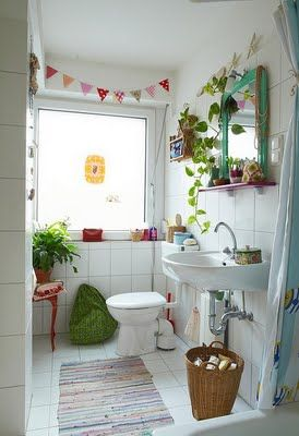 Quirky bathroom touches ~ love the bunting. {A Lovely Little World}: