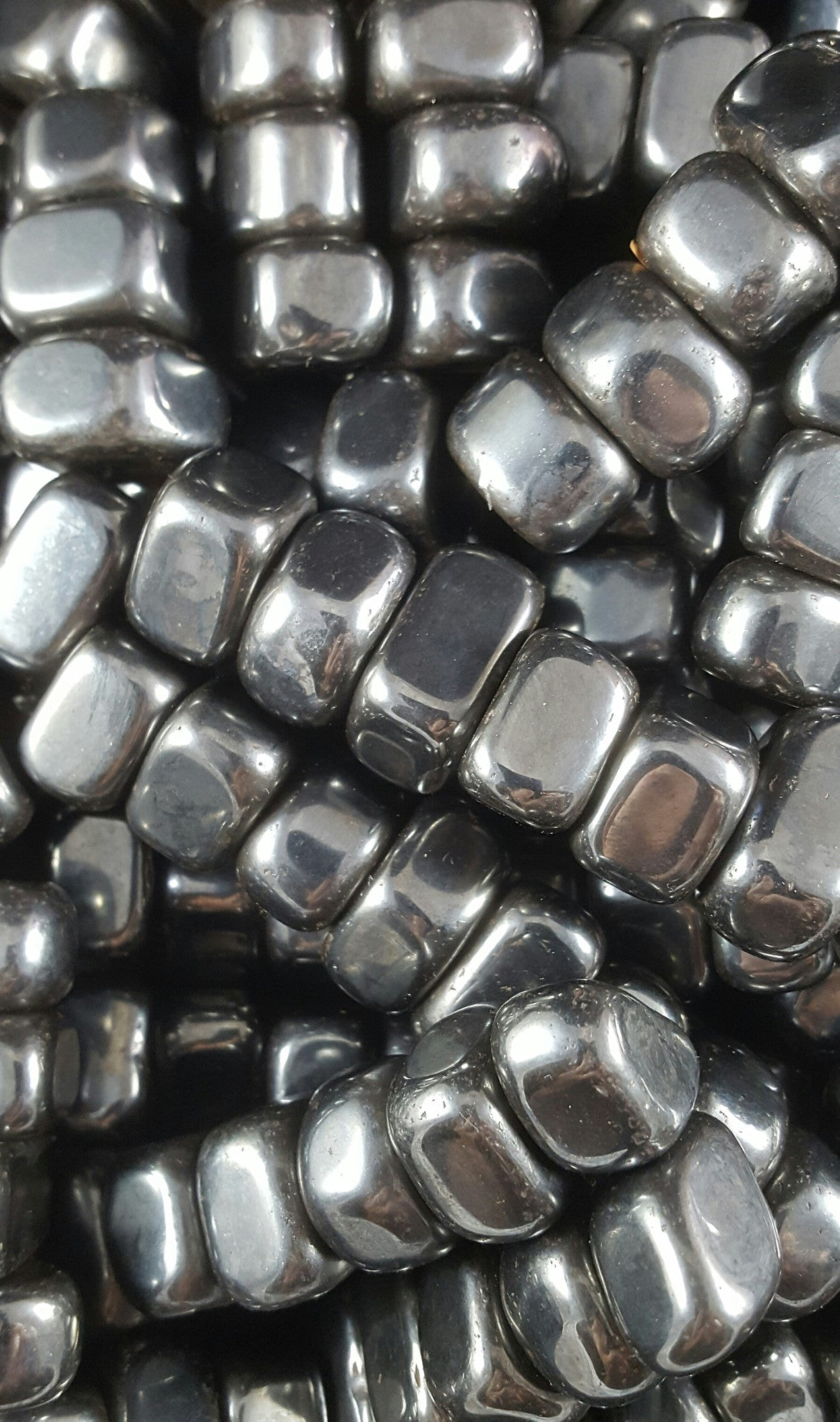 Magnetic 'Sticky' Stones