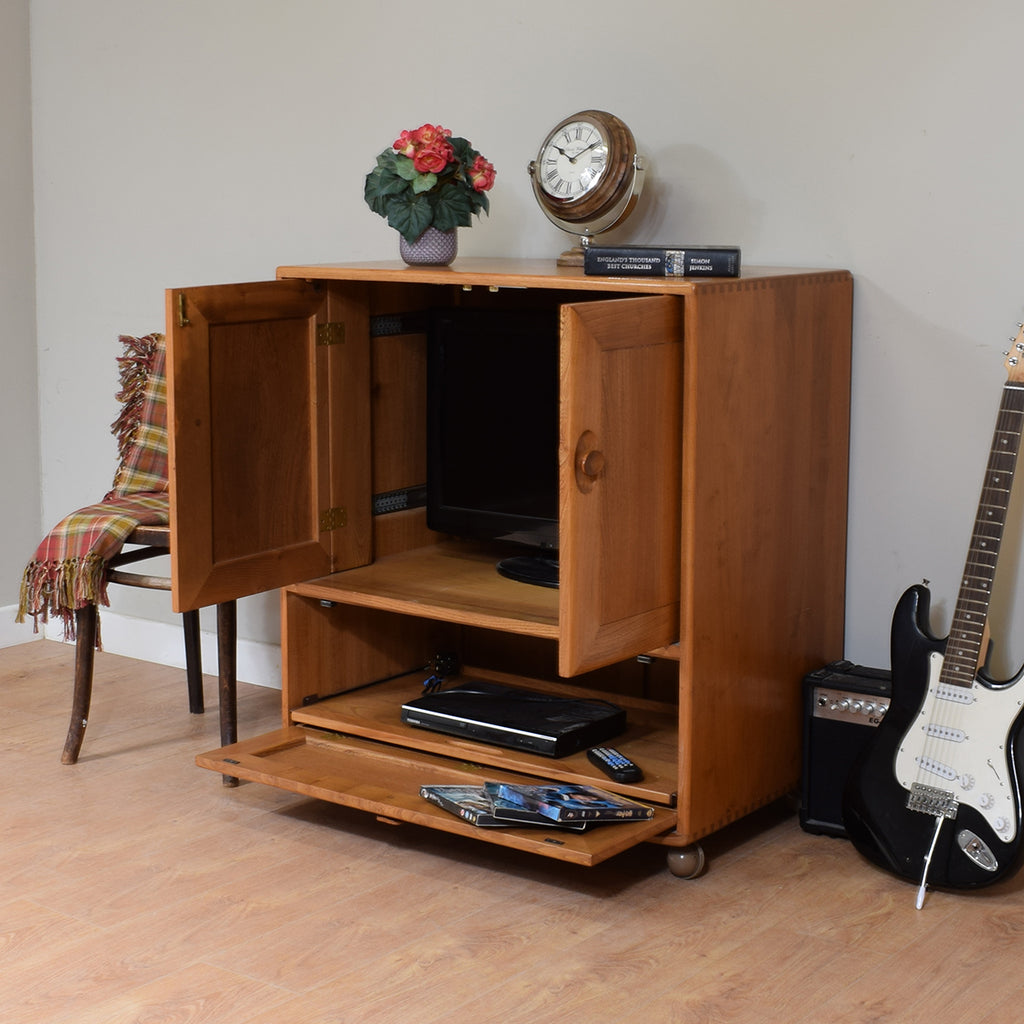 Ercol Windsor TV Cabinet