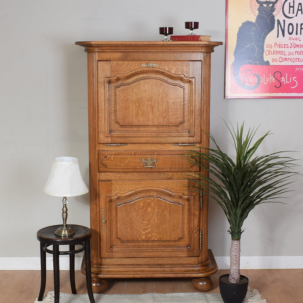 Oak Drinks Cabinet / Cupboard