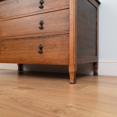 Traditional Oak Chest of Drawers