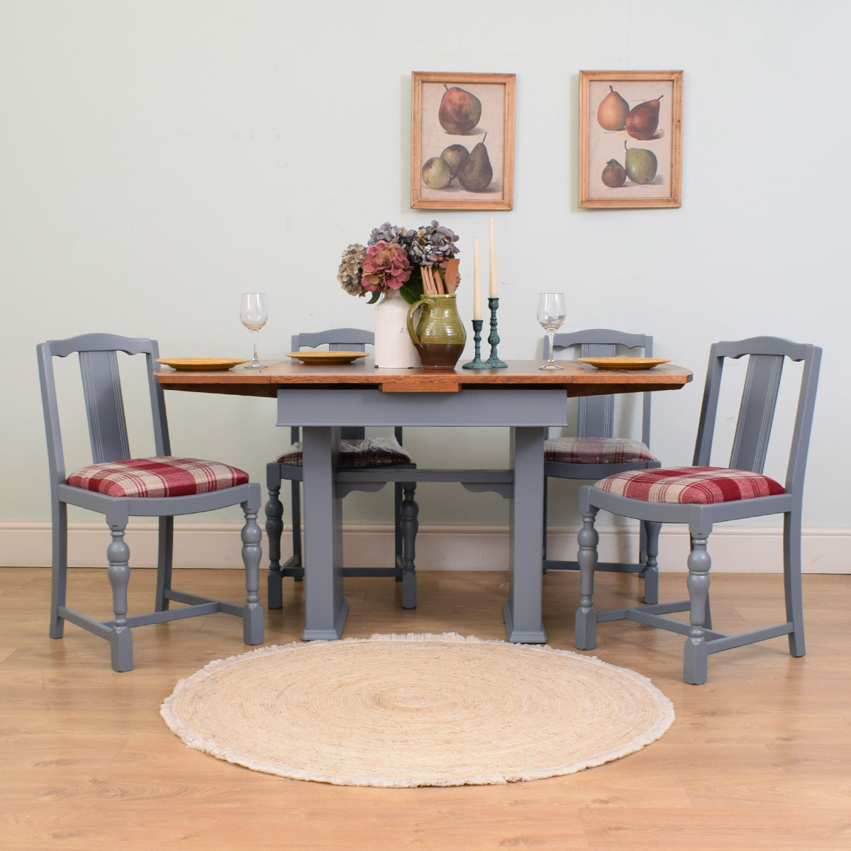 Draw-Leaf Table & 4 Chairs