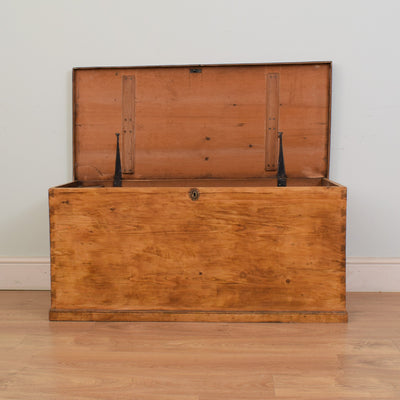 Waxed Blanket Box