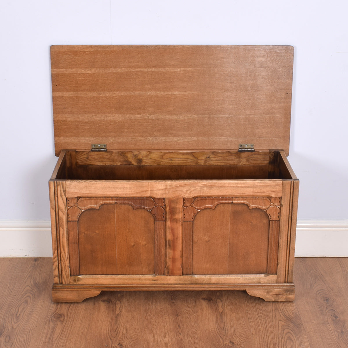 Charming Oak Blanket Box