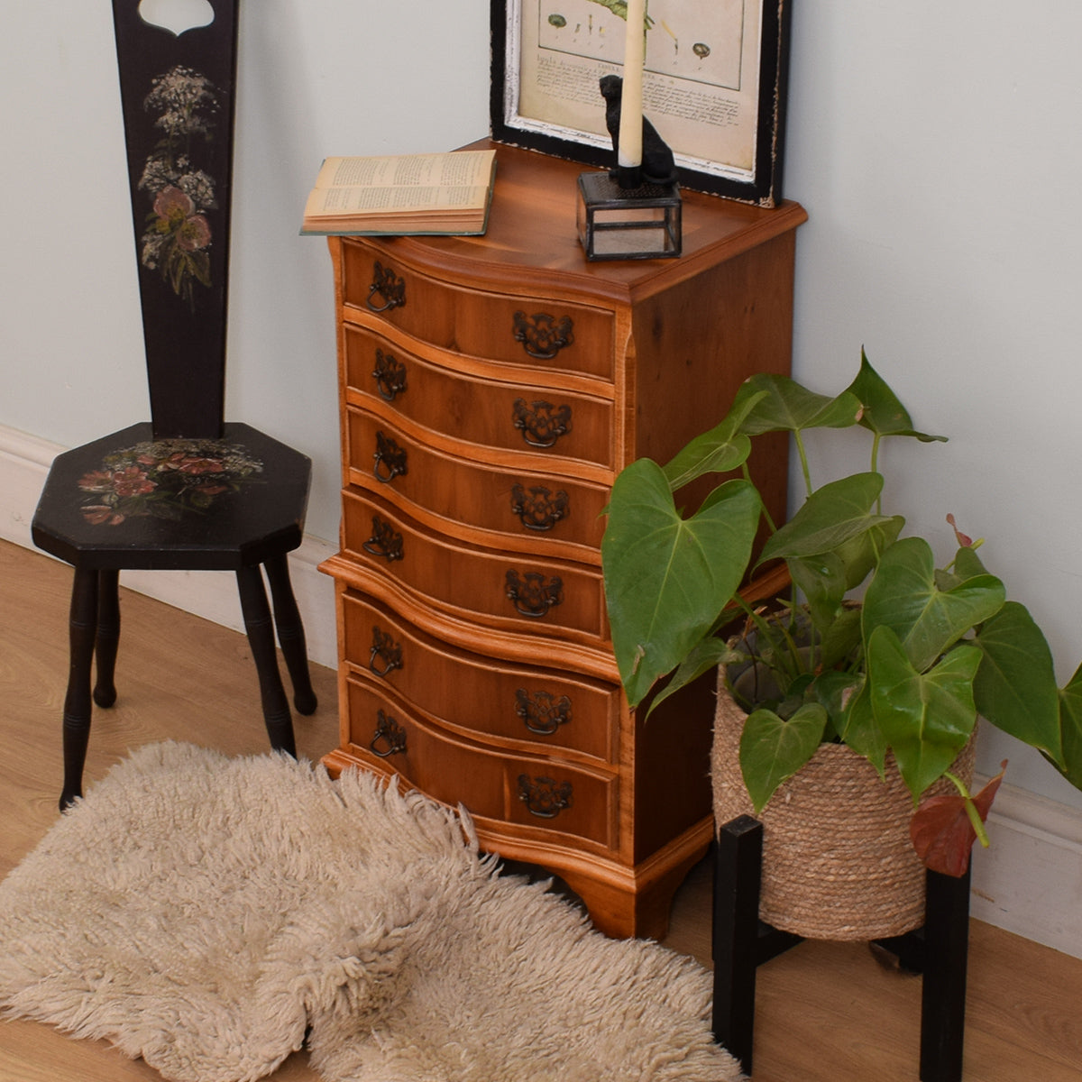 Small Serpentine Chest of Drawers
