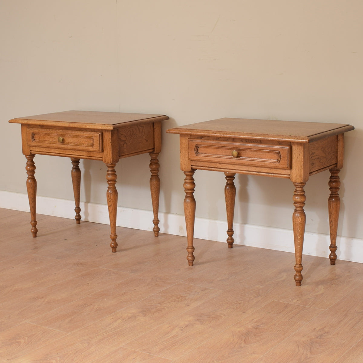 Pair of Vintage Oak Bedsides / Lamp Tables