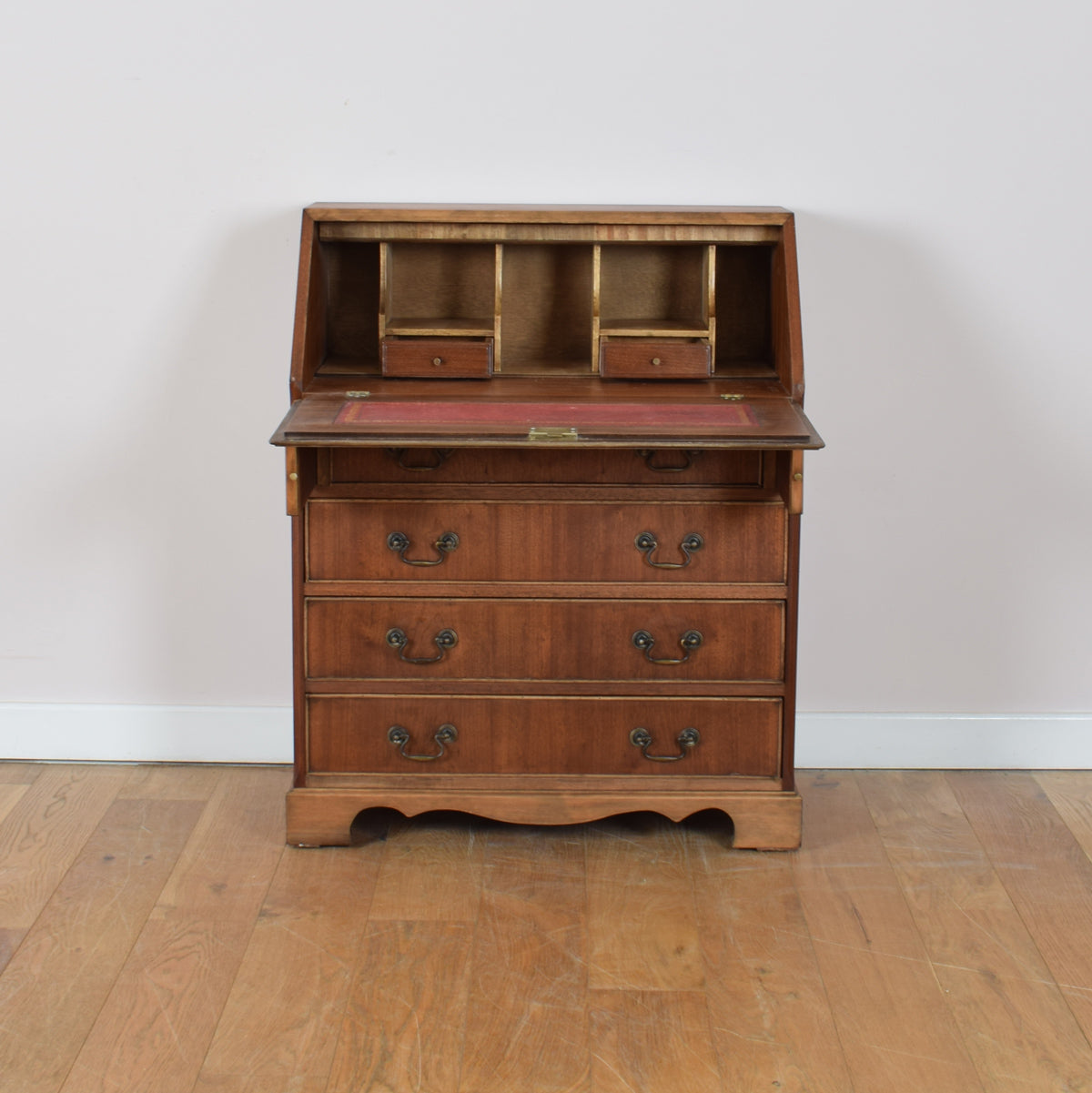 Traditional Bureau