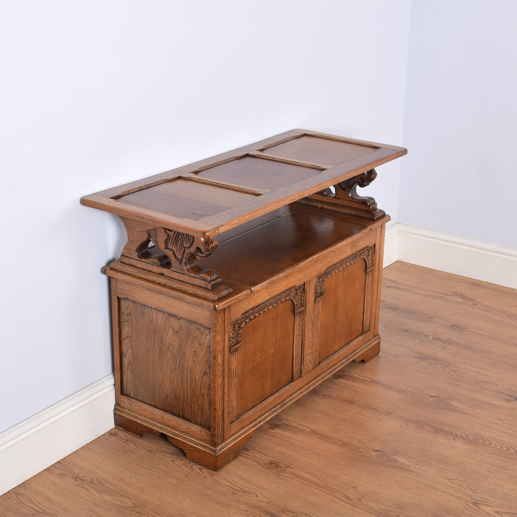 Oak Monks Bench / Settle