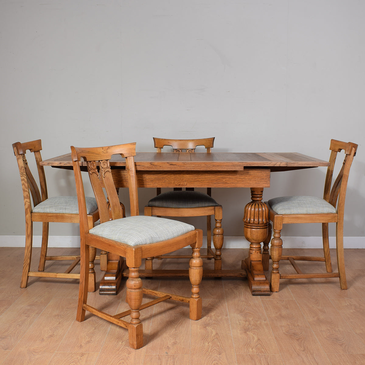 Vintage Rustic Oak Draw Leaf Table And 4 Chairs