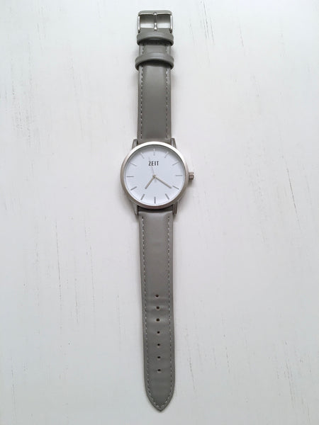 ZEIT City Watch in Cement