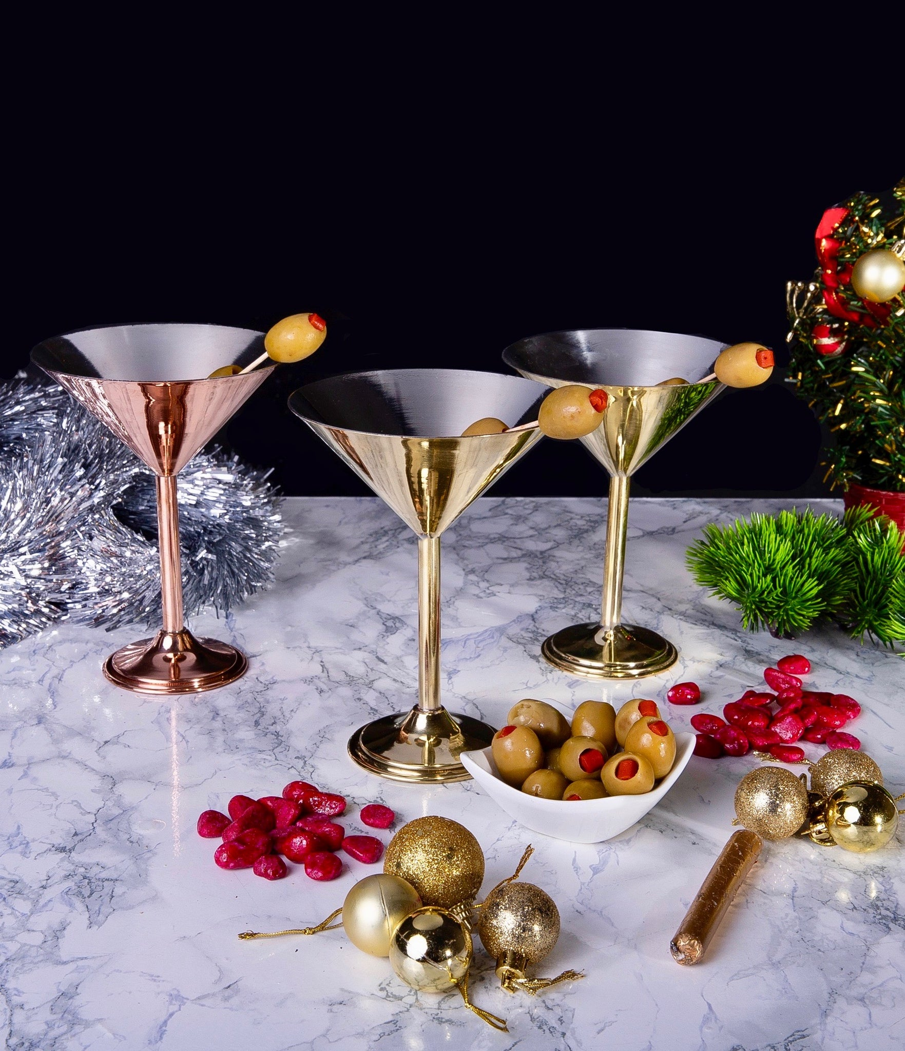 Uplift your Christmas table decoration with copper cocktail glasses!