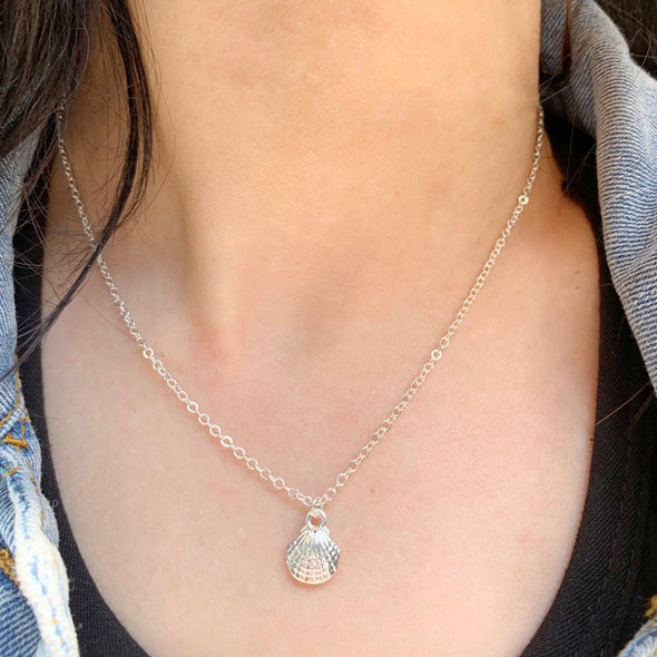 Oceana Shell Pendant Necklace