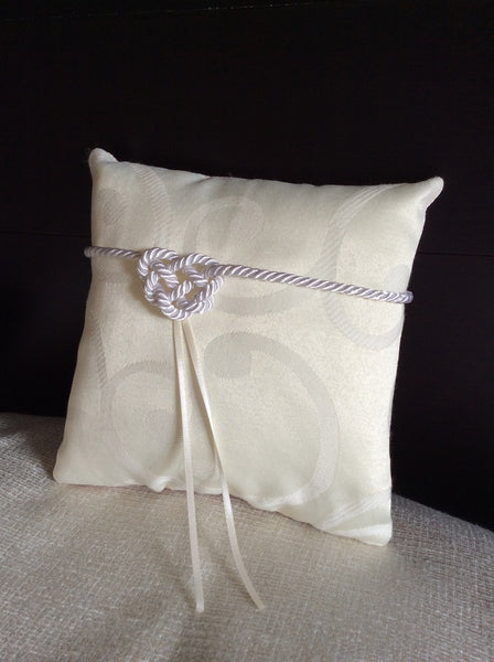 Pocket Pillow with Heart Knot - Brocade