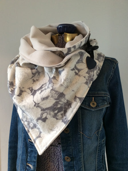 Neck Wrap - Women's Grey & Ivory Floral
