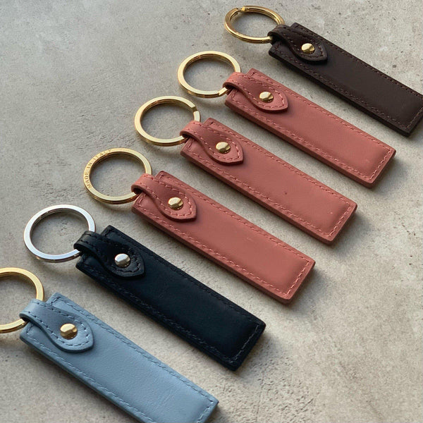 Keycharm Classic Grained Leather | Dark Red & Silver