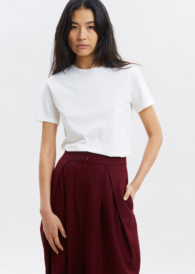 Basic Tee by Amomento in White Top Amomento