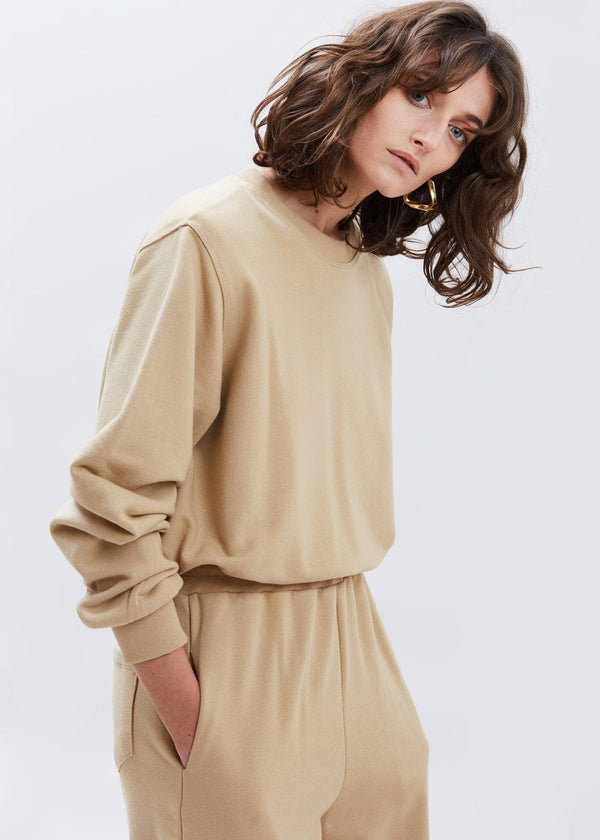 Cinch Hem Shoulder Pad Sweatshirt in Camel Sweatshirt The Frankie Shop