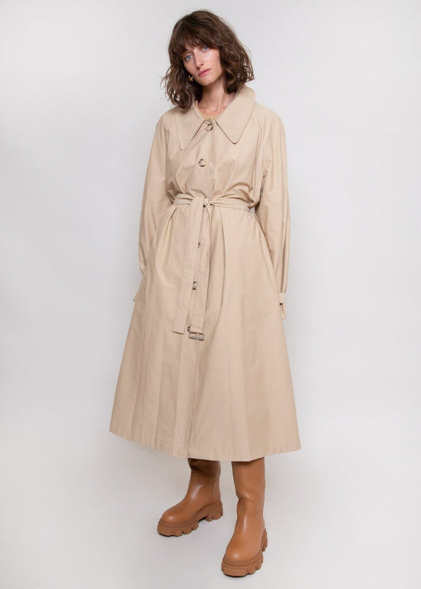 Classic Tortoise Button Trench Coat in Buff Coat the9s