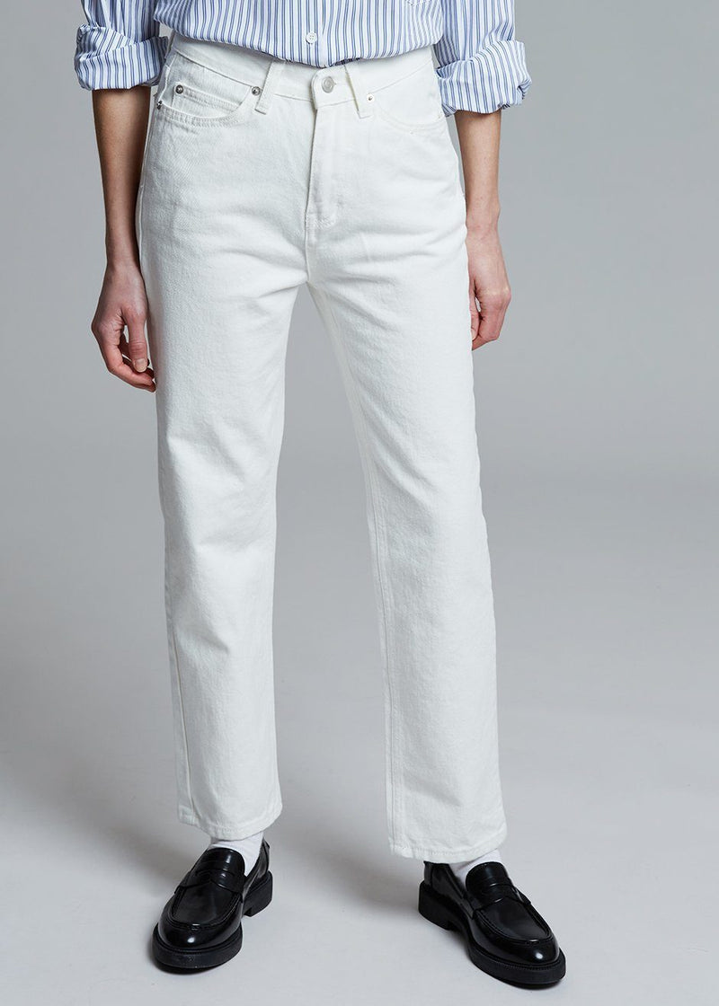 High Rise Straight Jean in Off White Pants I am J