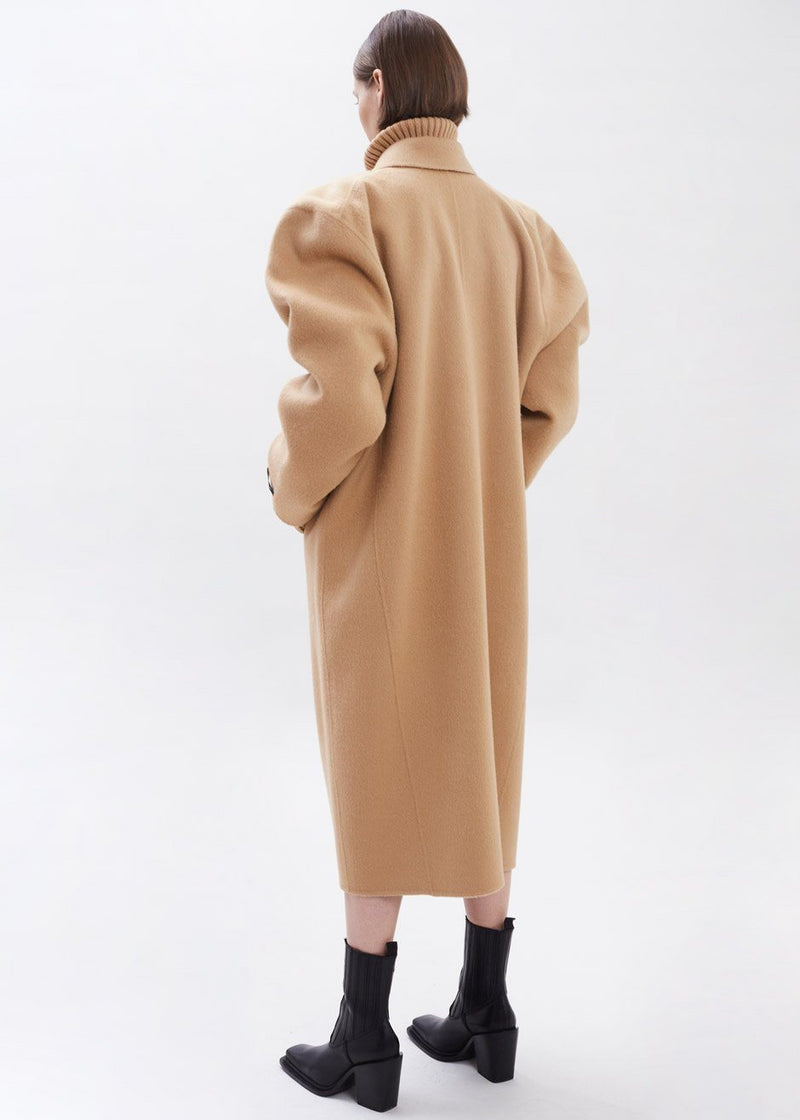 Long Box Sleeve Coat in Toast Coat Black Fuchsia