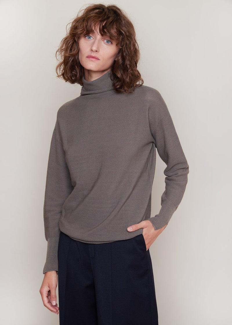 Loose Waffle Knit Turtleneck Sweater in Granite Sweater Room K